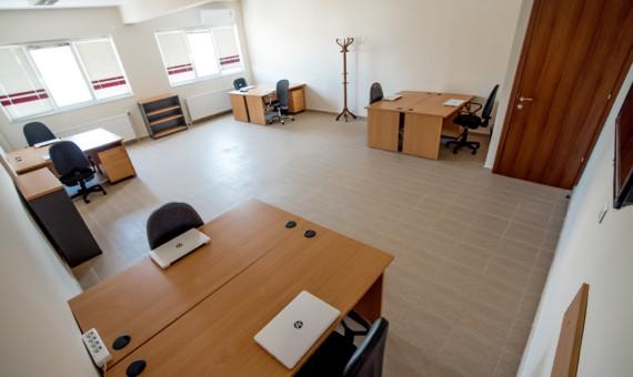 ενοικίαση γραφείου 8 άτομα